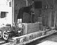 1955年のチェーンソー式裁断一号機(三豊製作所製)